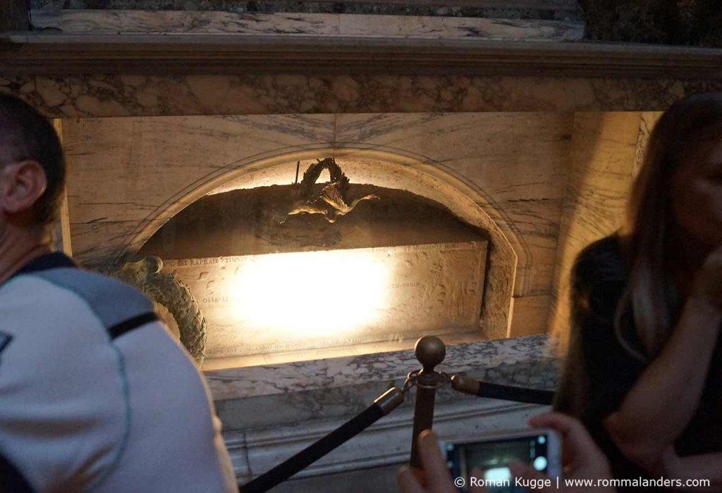 Grab Raffael Pantheon