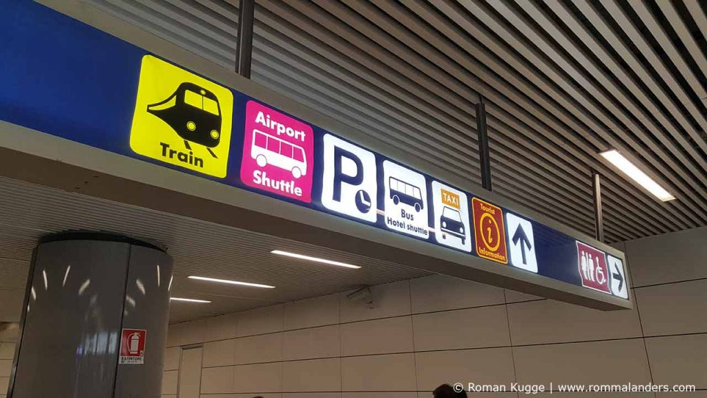 Schilder Leonardo Express Flughafen Rom Fiumcino