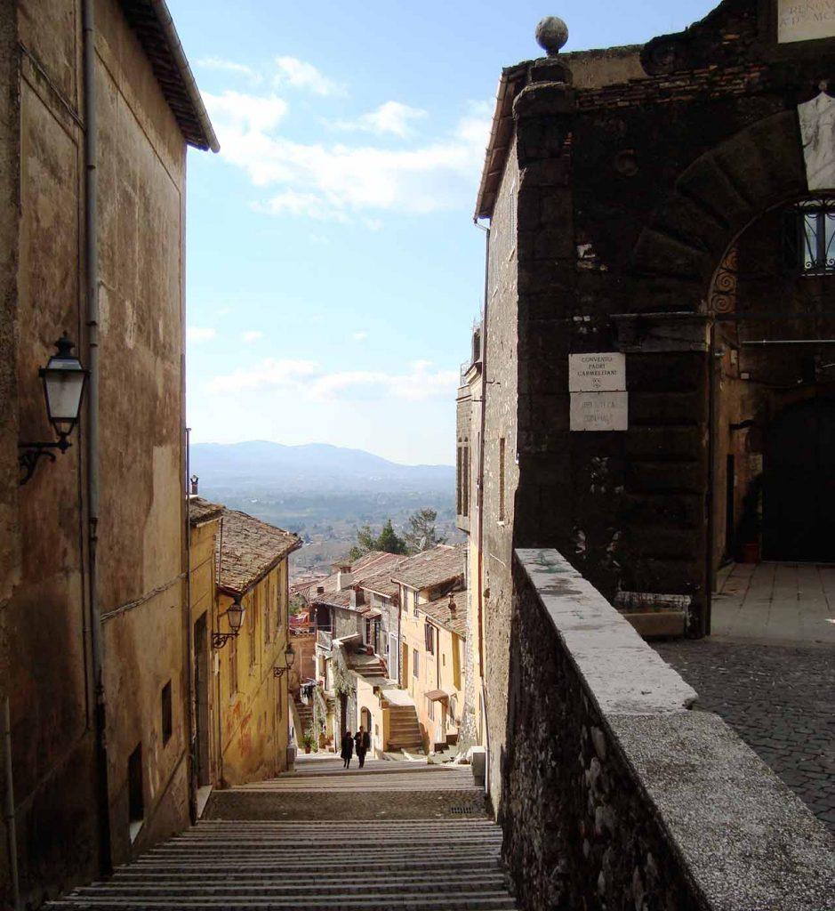 Straße und Treppen in Palestrina