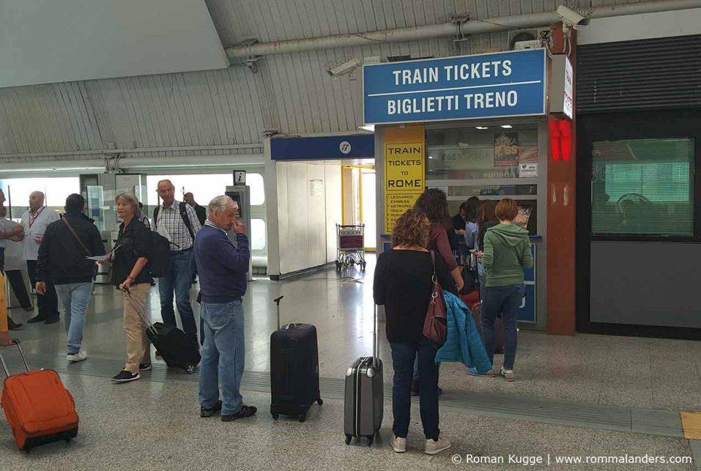 Ticketschalter Rom Fiumcino Leonardo Express Flughafen