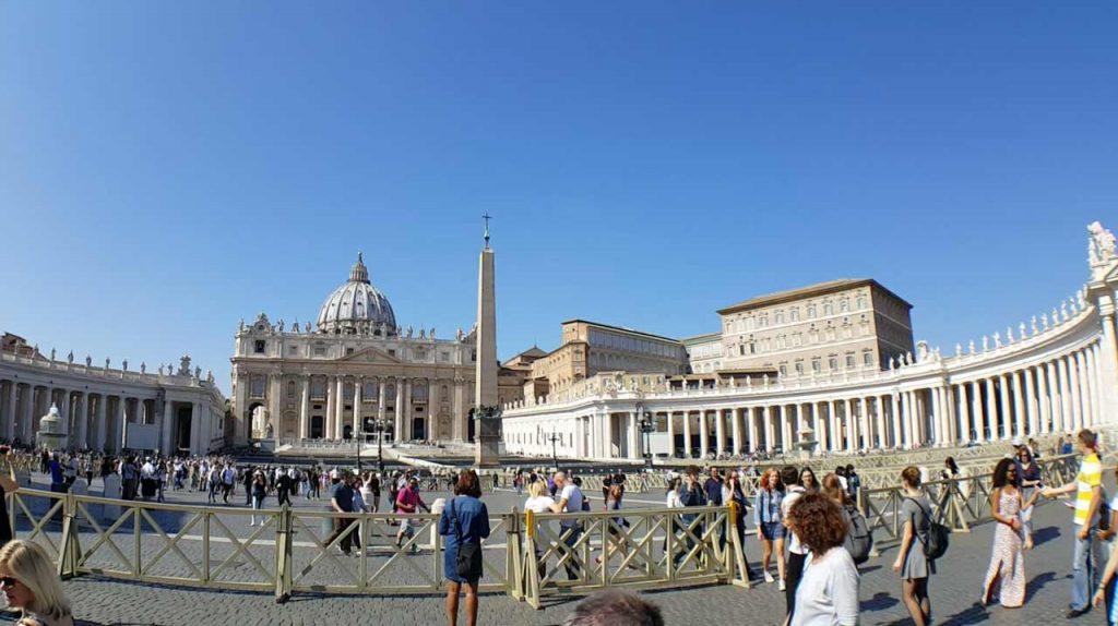 Petersplatz Vatikan Obelisk