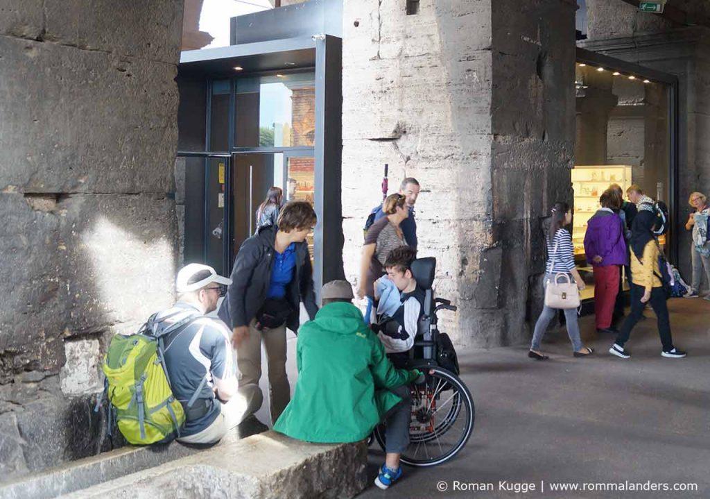 Kolosseum mit Rollstuhl behindertengerecht
