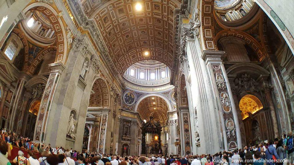 Petersdom in Rom Innen Architektur
