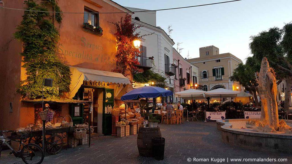 Forio Stadt Ischia (1)