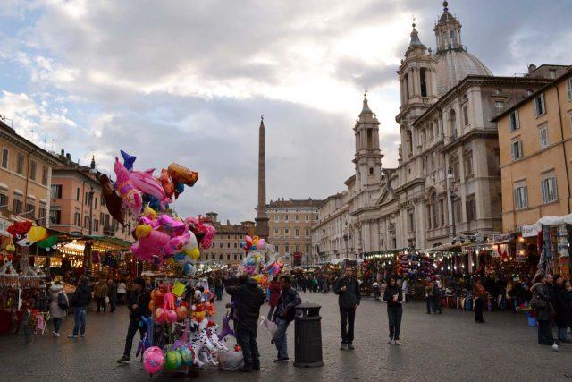 Weihnachtsmarkt Rom Mercatino delle Befana Piazza Navona