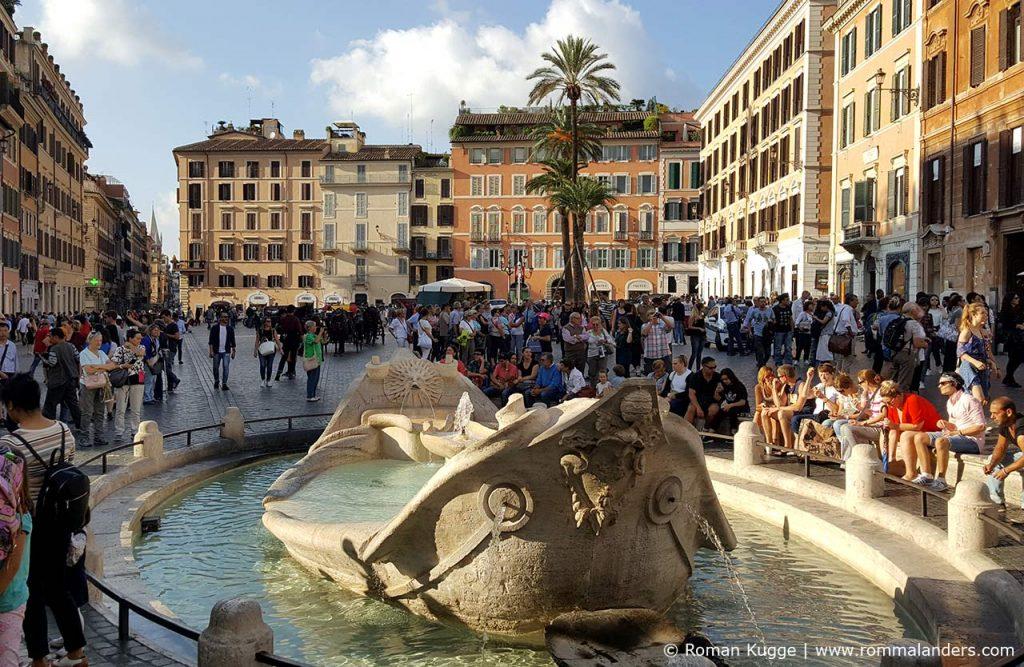Brunnen Fontana della Barcaccia an der Spansichen Treppe