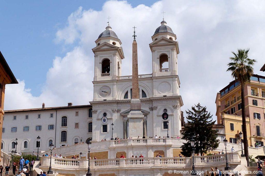 Kirche Trinita dei Monti in Rom an der Spanischen Treppe