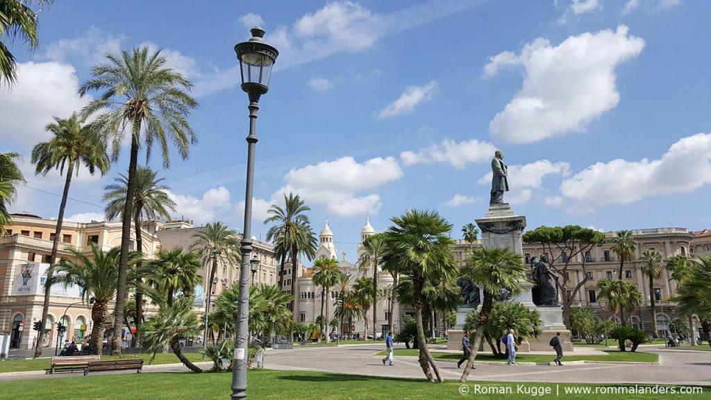 Schönster Platz von Rom Piazza Cavour